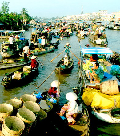 Cai Be Floating Market and Tan Phong Island
